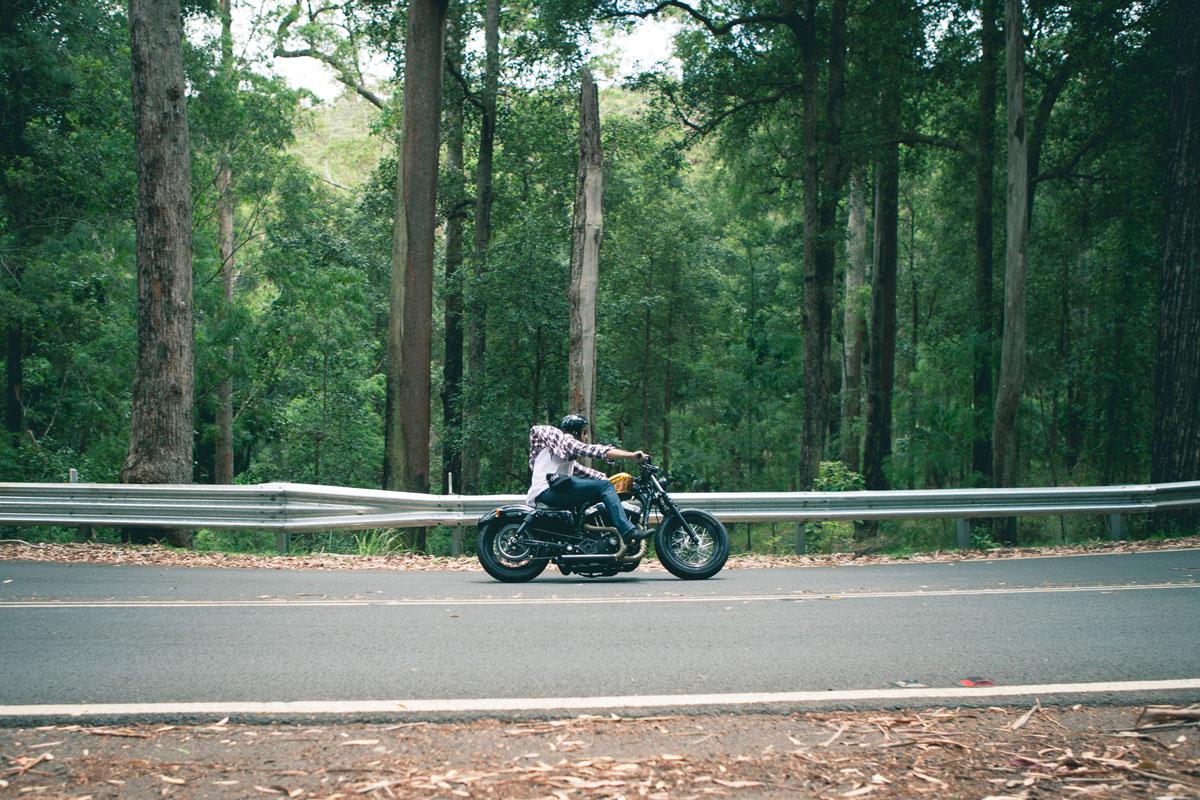 motorcycle-ryan-waring-414396-unsplash